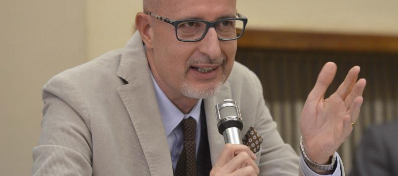 """Il Ministro Calenda nomina Schiavoni Segretario Generale """"ad interim"""" della Camera di Commercio di Ascoli Piceno"""
